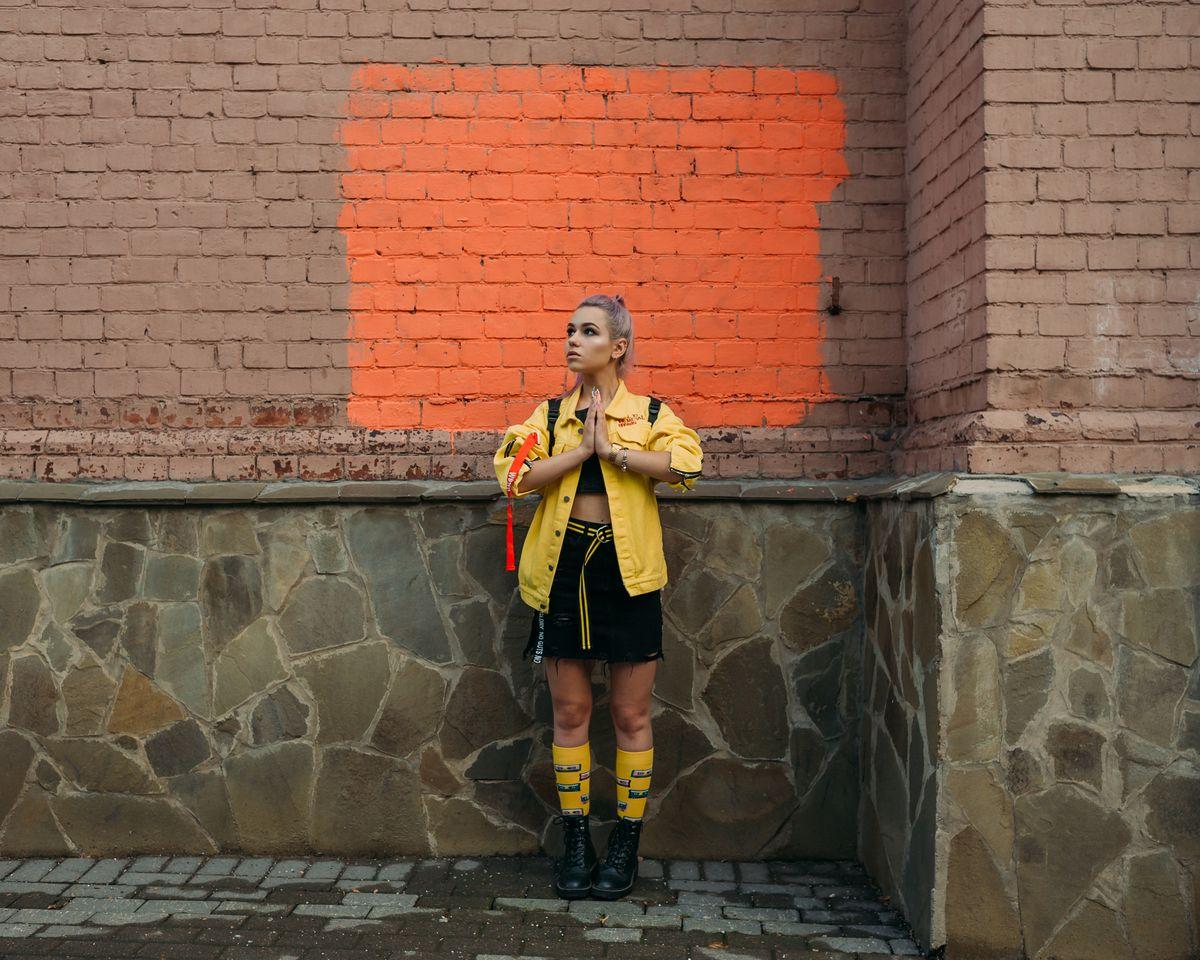 yellow женская фотосессия в москве